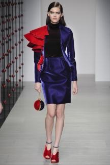 Шикарный фиолетовый пиджак осень-зима 2014-2015 – Emilio de la Morena