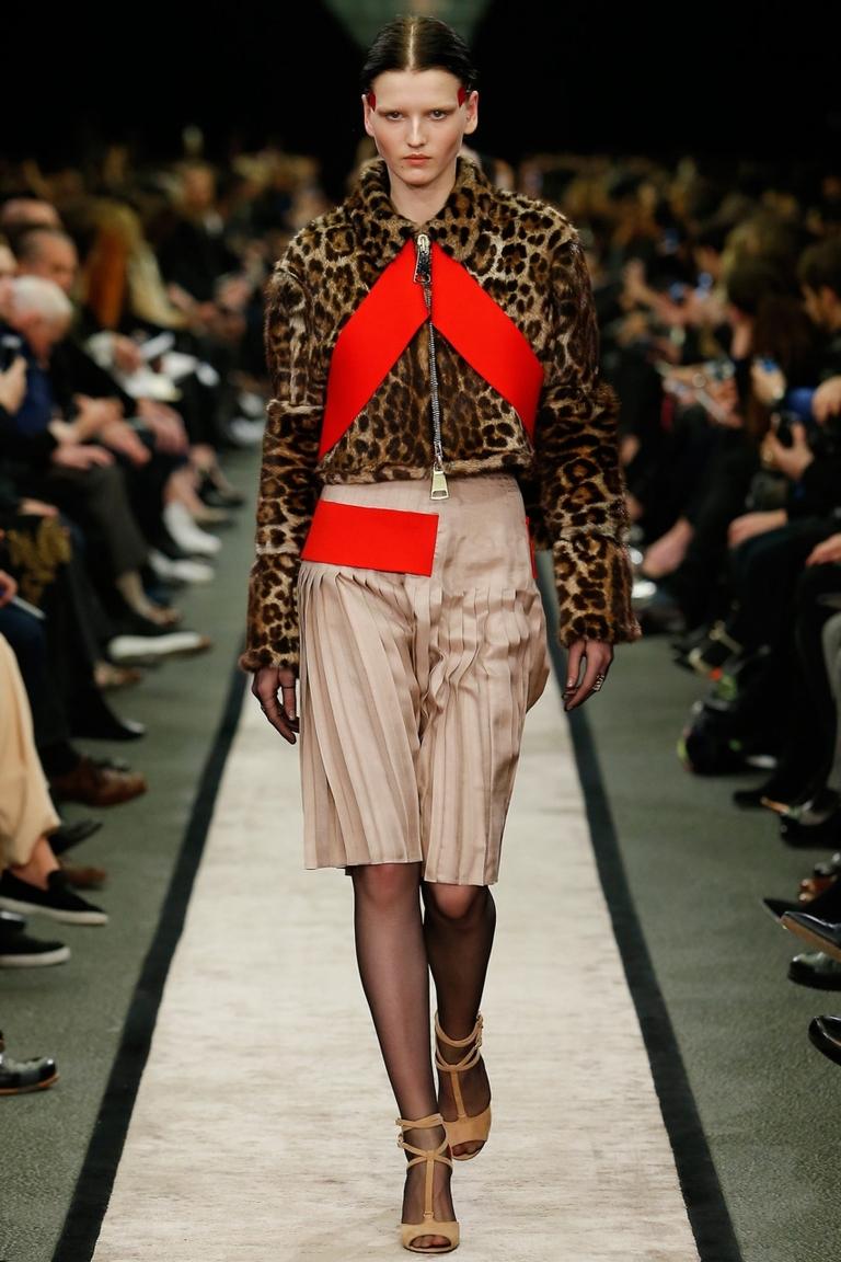 Леопардовая куртка от Givenchy