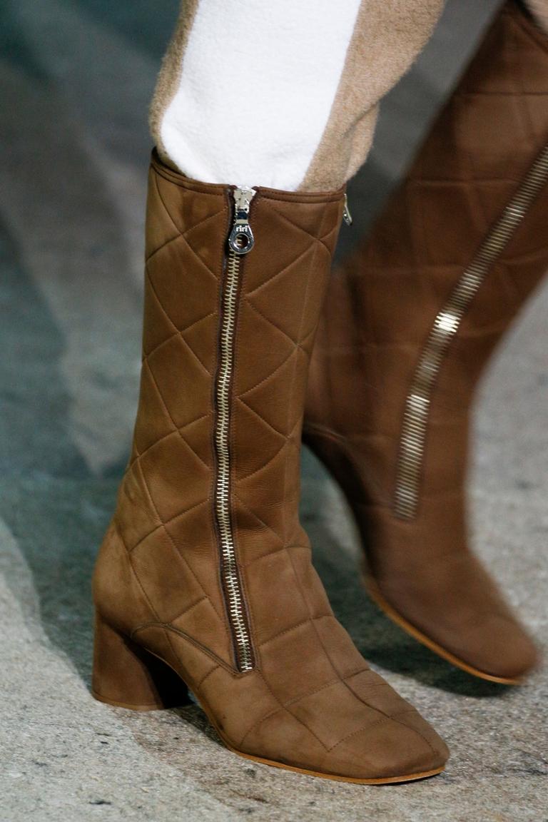 Коричневые модные сапоги 2015 — фото новинка Marc Jacobs