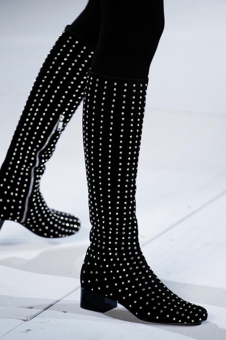 Модные сапоги 2015 – фото новинка от Saint Laurent