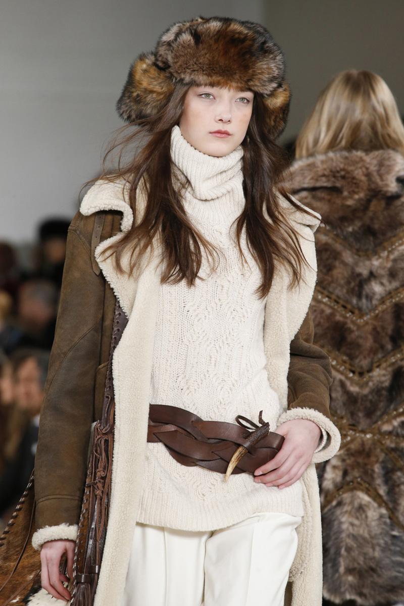 Модная женская шапка ушанка из коричневого меха – коллекция Ralph Lauren