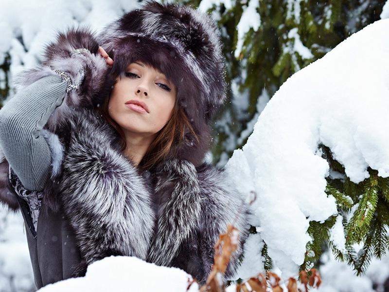 Модная меховая зимняя шапка