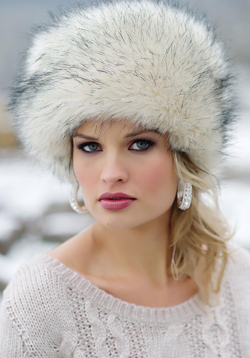 Модная меховая женская шапка