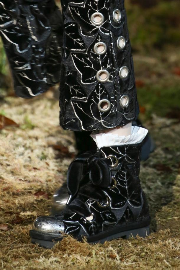 На фото: модная обувь 2015 Alexander McQueen