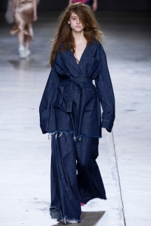 Широкие расклешенные модные джинсы 2015 – Marques Almeida