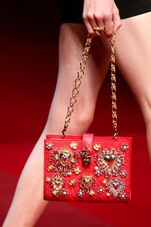 модная маленькая сумка весна лето 2015 от Dolce & Gabbana