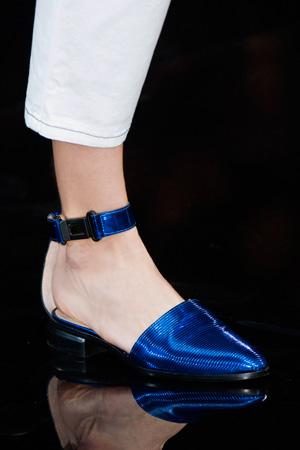 Блестящие модные туфли весна лето 2015 от Emporio Armani
