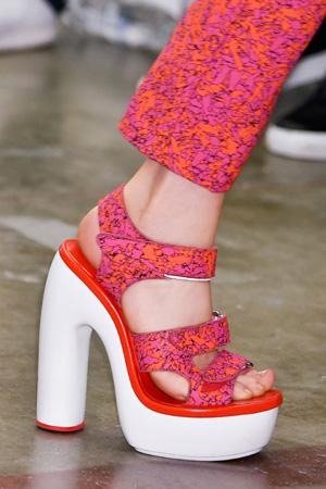 Модные туфли с массивным каблуком весна лето 2015 – Iceberg