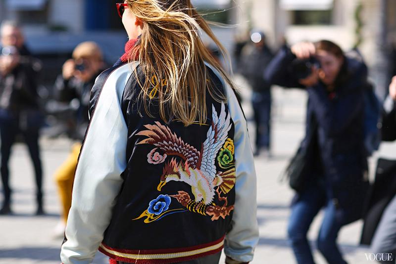 Фото новинка: модная куртка бомбер