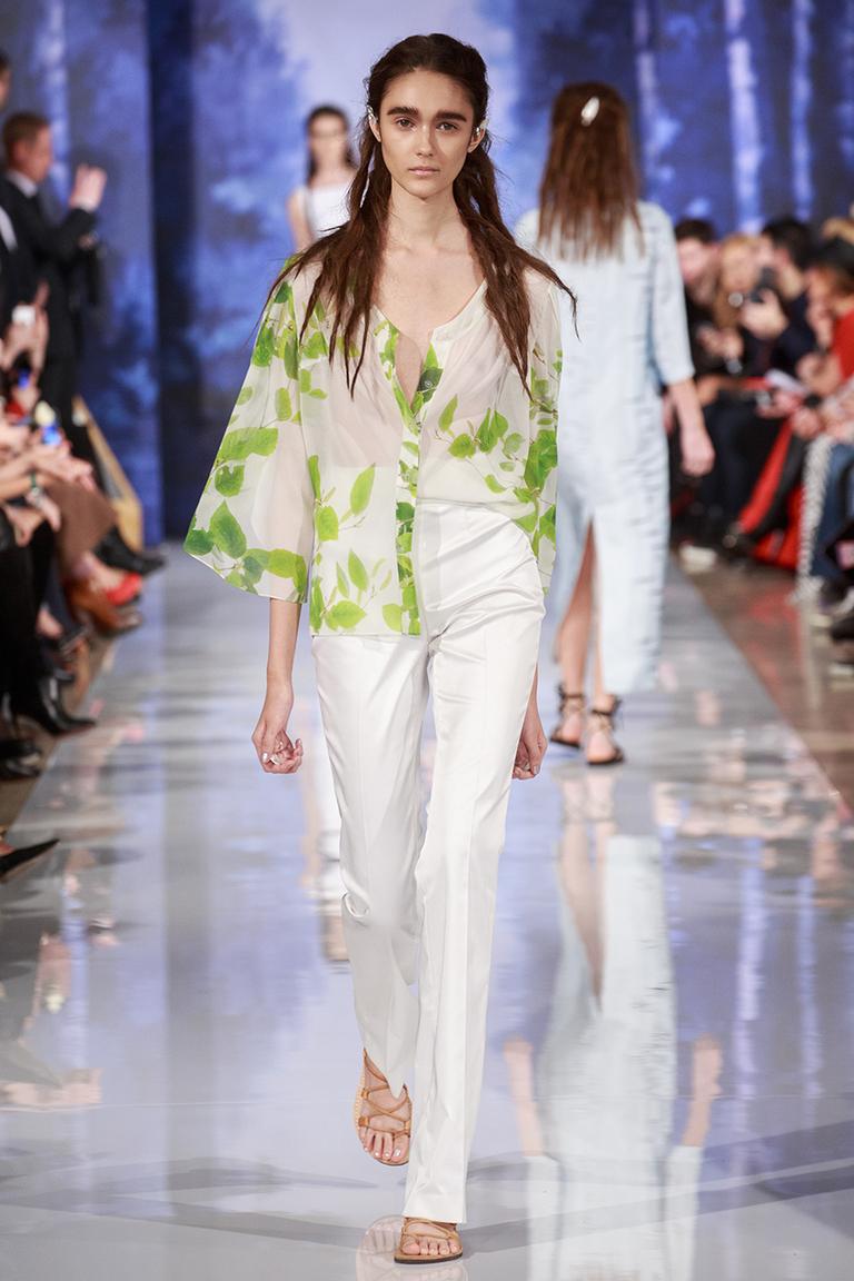 Модная блузка весна-лето с зеленым принтом – A LA RUSSE Anastasia Romantsova