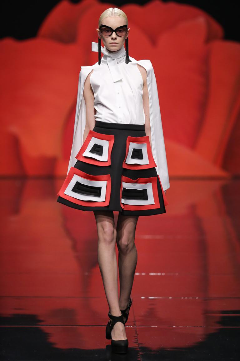 Модная юбка трапеция весна лето – черная юбка с геометрическим узором – Alexander Arutyunov