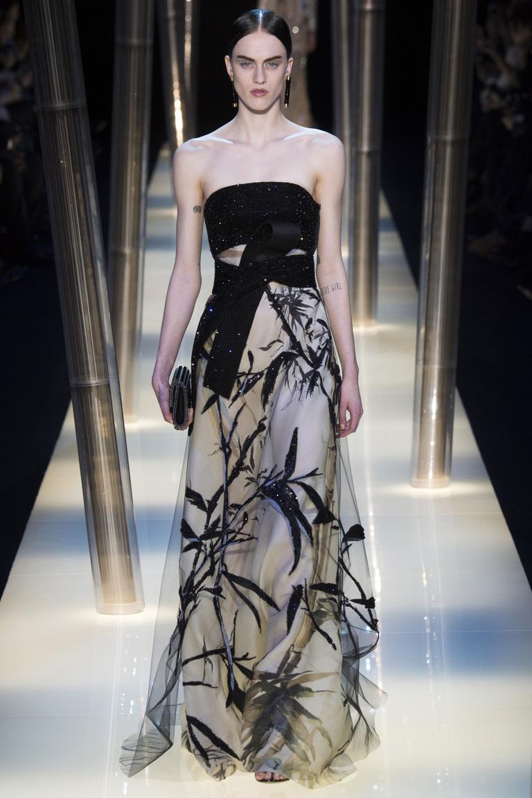 Длинная модна юбка из бамбуковой коллекции Armani Privé