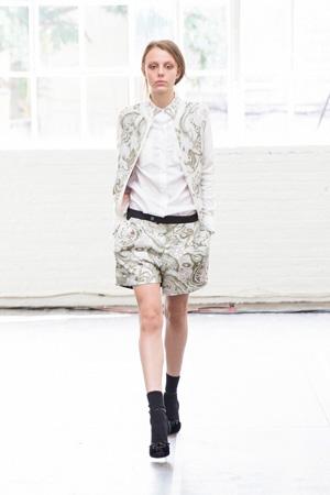 Модные разноцветные широкие шорты весна лето 2015 - A.A. Antonio Azzuolo