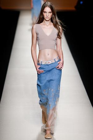 Модные джинсы весна лето 2015 – Alberta Ferretti