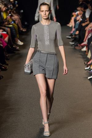 Модные серые шорты с завышенной талией весна лето 2015 – Alexander Wang
