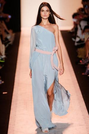 Нежно-голубое длинное платье мода весна лето 2015 - BCBG Max Azria