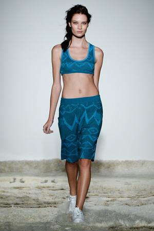 Длинные голубые модные шорты мода весна лето 2015 - Baja East