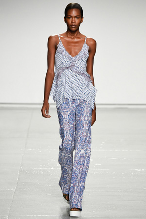 Топик пижамного стиля весна лето 2015 – Rebecca Taylor