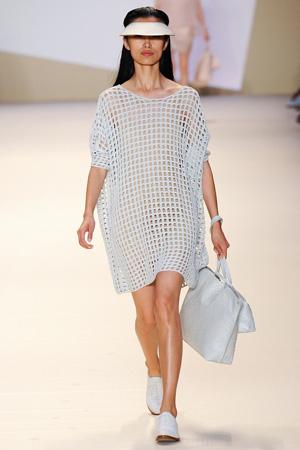 Модное платье в сетку весна лето 2015 – Akris