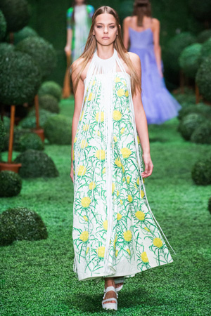 Модный сарафан весна лето 2015 с цветочным принтом – Alena Akhmadullina