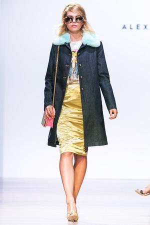 Джинсовое пальто с модной блестящей юбкой 2015 – фото Alexander Terekhov