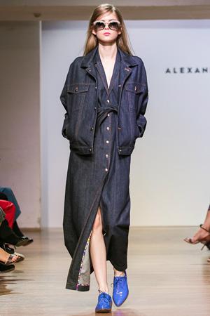 Джинсовка с джинсовым платьем весна лето 2015 Alexander Terekhov