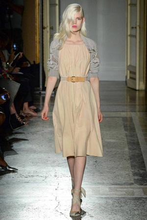 Нежное модное платье от Aquilano.Rimondi