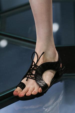Черные модные босоножки 2015 - Balenciaga