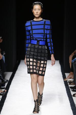 Модная юбка 2015 в клетку с синей кофтой – фото Balmain весна лето 2015