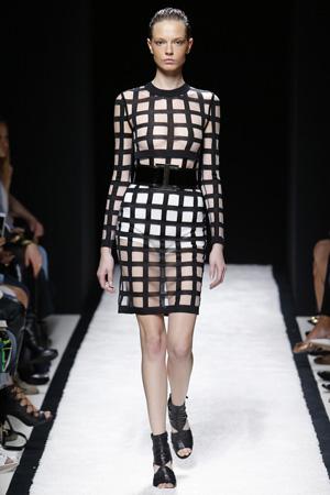 Платье в крупную клетку – Balmain весна лето 2015
