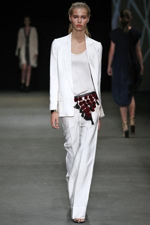 Белый модный широкий пиджак весна лето 2015 By Malene Birger