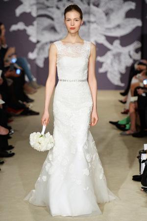 Ажурное модное свадебное платье Carolina Herrera весна лето 2015 с закрытым верхом