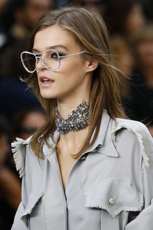 Очки с иллюзией без линз – фото весна лето 2015 Chanel