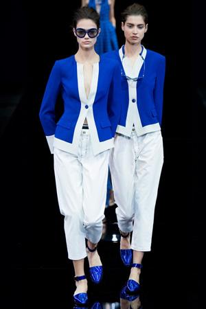 Пиджак модного синего цвета весна лето 2015 Emporio Armani