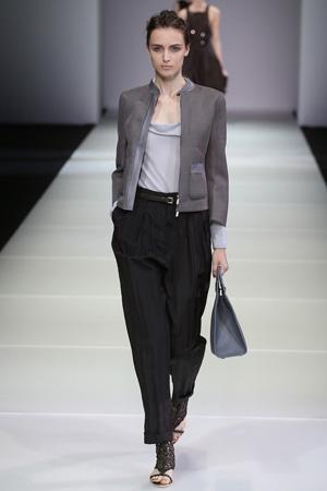 Короткий пиджак весна лето 2015 с широкими брюками Giorgio Armani