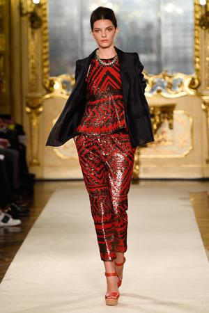 Красный костюм – коллекция Les Copains