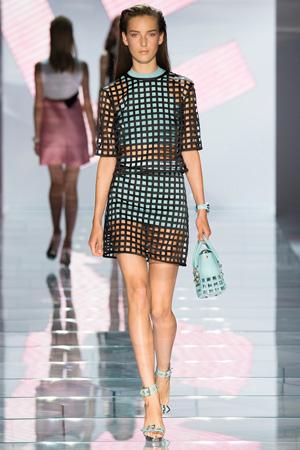 Модная одежда из сетки Versace весна лето 2015
