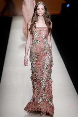Длинное шикарное платье 2015 от модного дома Alberta Ferretti