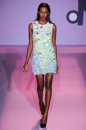 Красивое женственное летнее платье 2015 Andrew Gn