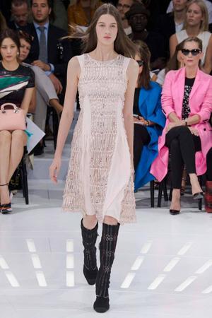 Длинное платье Christian Dior коллекция весна лето 2015