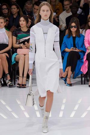 Модный сарафан 2015 с водолазкой – фото Christian Dior весна лето 2015