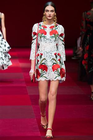 Кружевное платье с цветами – Dolce & Gabbana 2015
