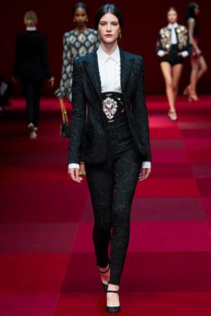 Брючный костюм Dolce & Gabbana с широким ремнем на талии