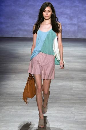 Модный летний топ с розовыми шортами весна лето 2015 Rebecca Minkoff