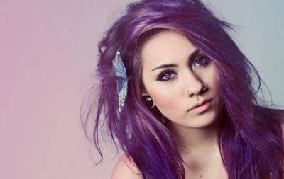 Фиолетовый цвет волос больше не в моде 2015