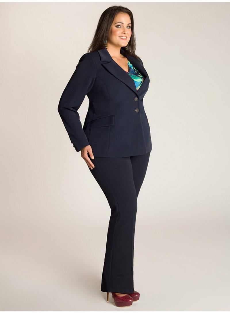 Модный костюм для полных женщин – фото новинки сезона