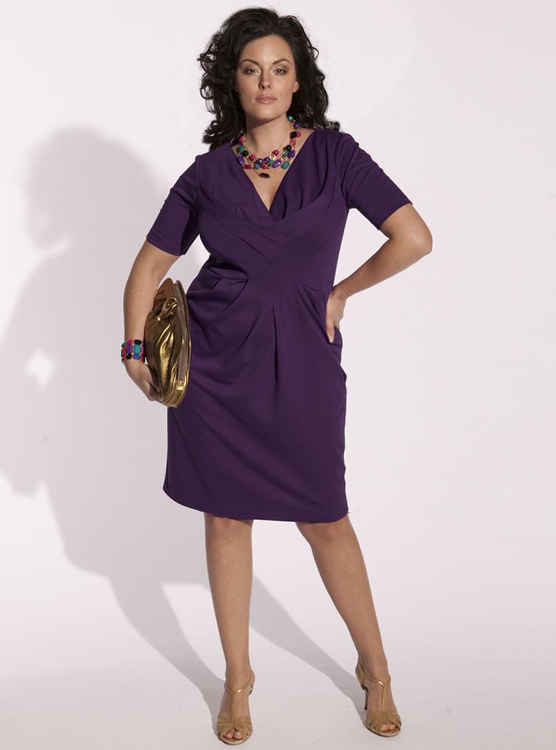 Темно-фиолетовое модное платье для полных женщин