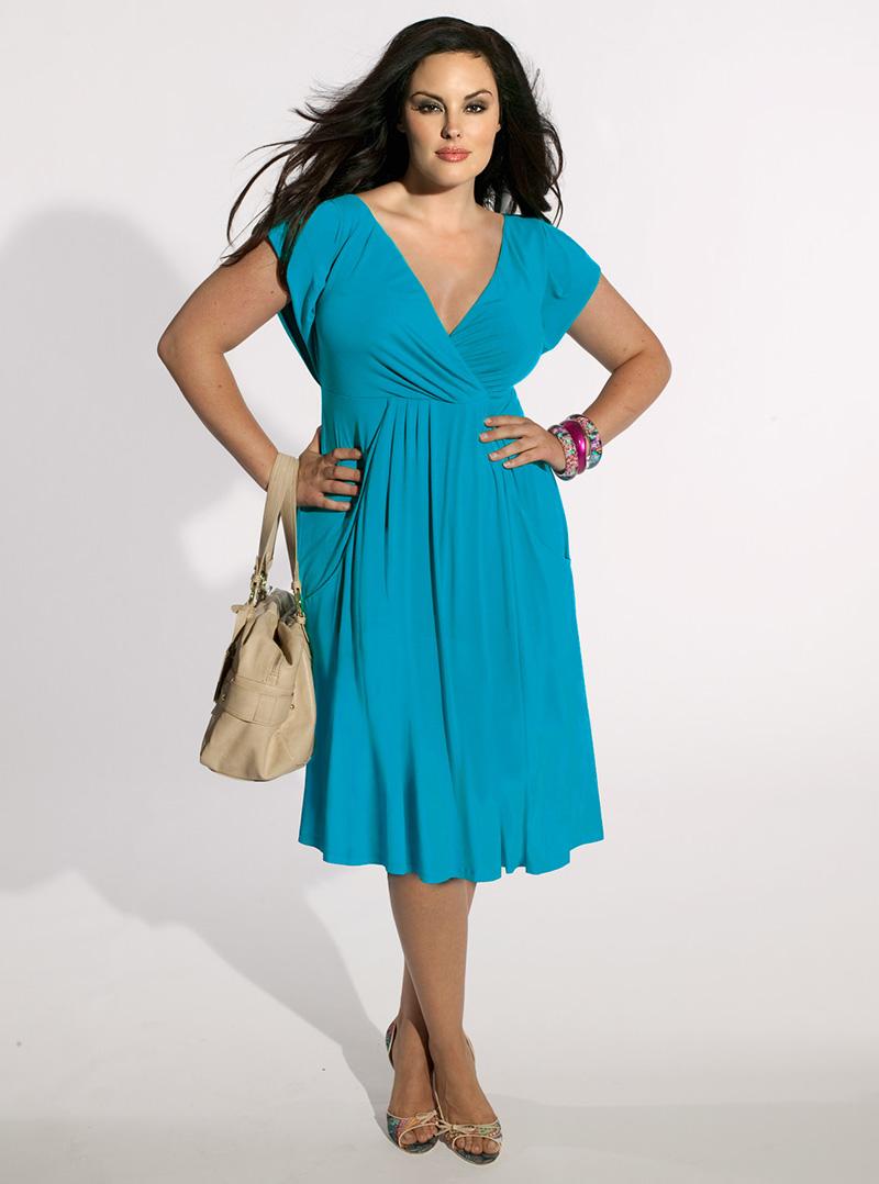 Бирюзовое платье больших размеров для полных женщин