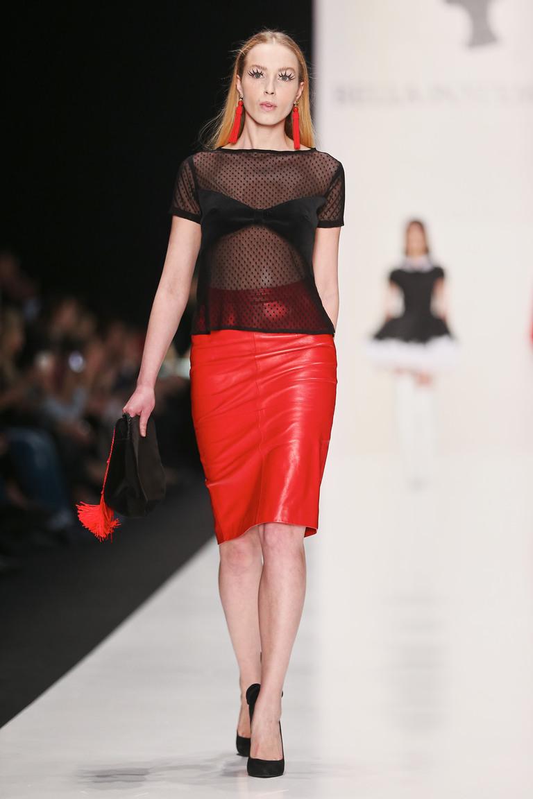 Красная кожаная модная юбка 2016 фото новинки Bella Potemkina с прозрачной блузкой