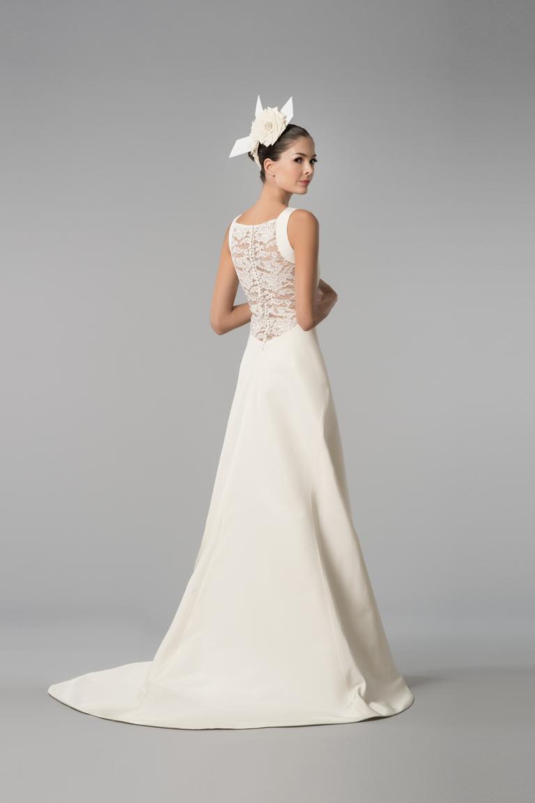 Красивое модное свадебное платье 2016 с кружевной спиной – фото новинка от Carolina Herrera